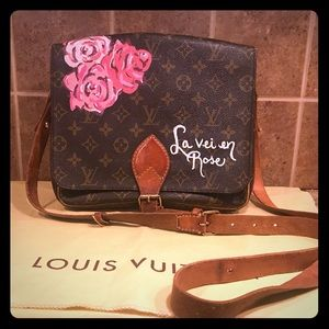 💐🌹Custom painted Louis Vuitton crossbody 🌹💐